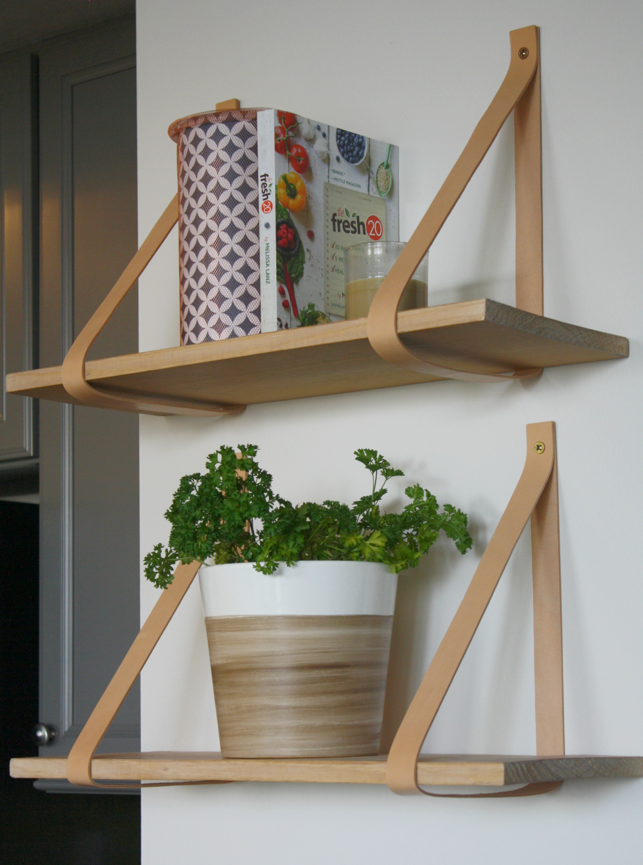 tutorials leather strap shelves - myfrenchtwist.com