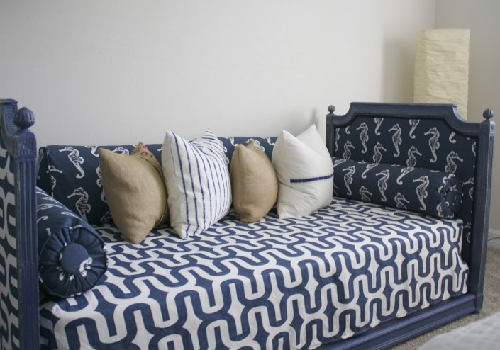 daybed makeover - myfrenchtwist.com