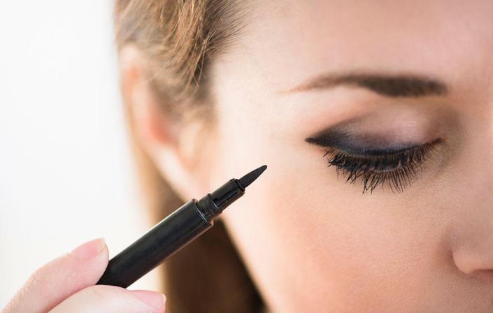 eyeliner - myfrenchtwist.com