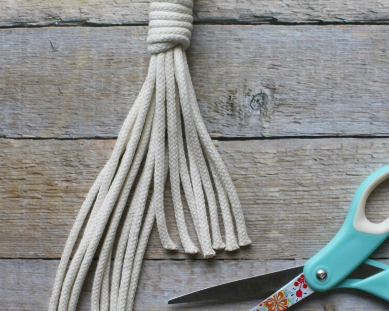 getting started with macrame - supplies & tutorials