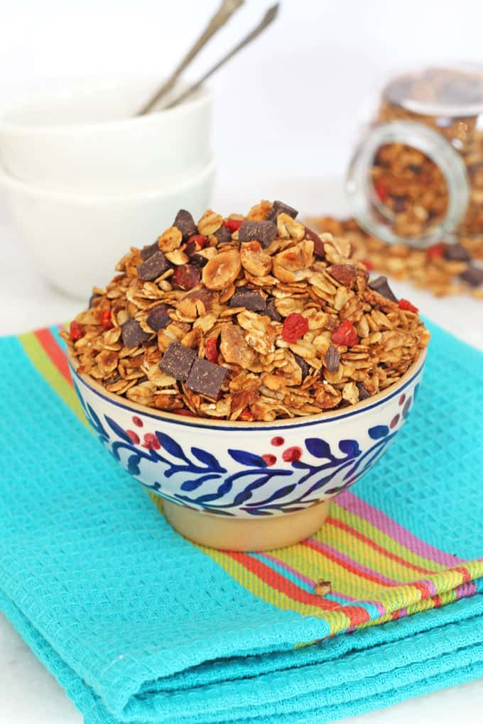 healthy chocolate chip granola