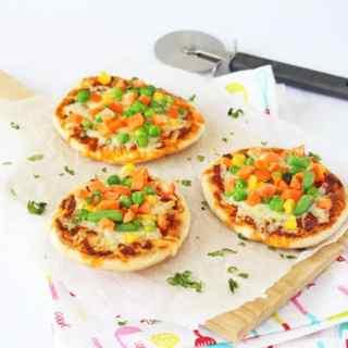 5 Minute Pitta Bread Pizza