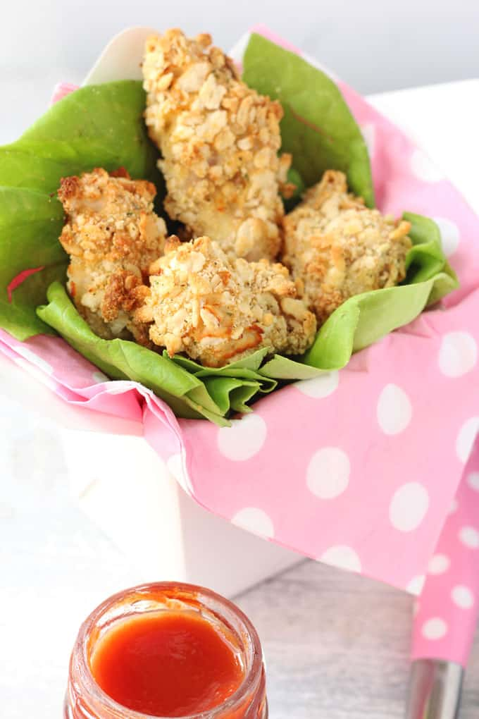 Cream crackers are the secret ingredient to getting these turkey nuggets super crunchy! A great dinner for fussy and picky eaters!