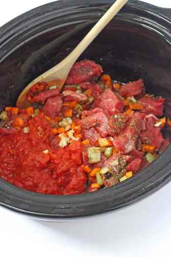 A super easy slow cooker ragu recipe. Makes a great family meal | My Fussy Eater blog