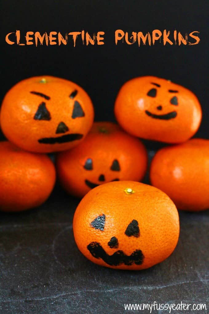 These Clementine Pumpkins are a fun and healthy Halloween snacks for kids! | My Fussy Eater blog