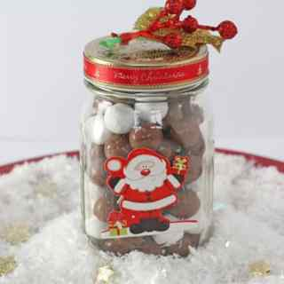 Chocolate Snowballs in a Jar {Edible Christmas Gifts}