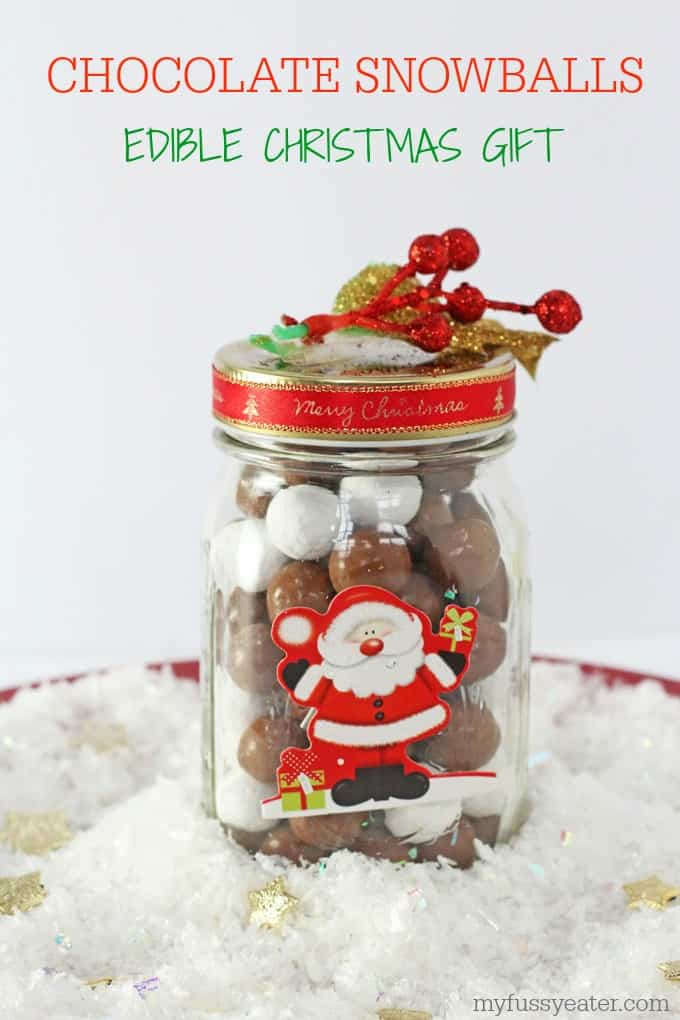 The kids will love making these super cute Chocolate Snowballs in a Jar as Christmas gifts for their friends! | My Fussy Eater blog