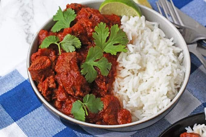 Easy slow cooker lamb curry my fussy eater a really easy lamb curry recipe made with lamb shoulder and slow cooked to make it forumfinder Images