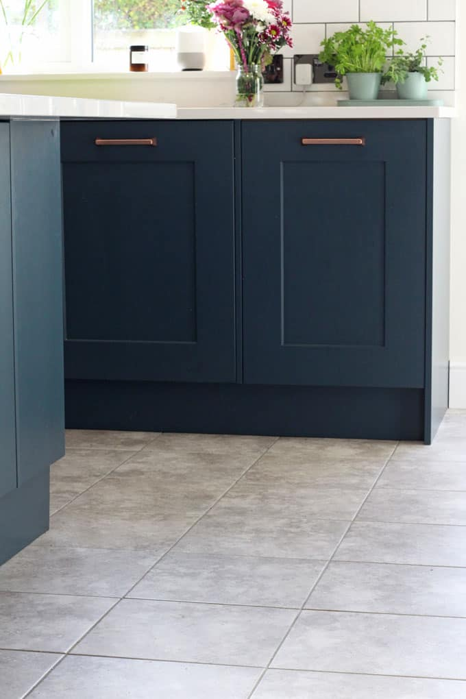 A quick look at our kitchen renovation and the tiles that we chose for the floor!