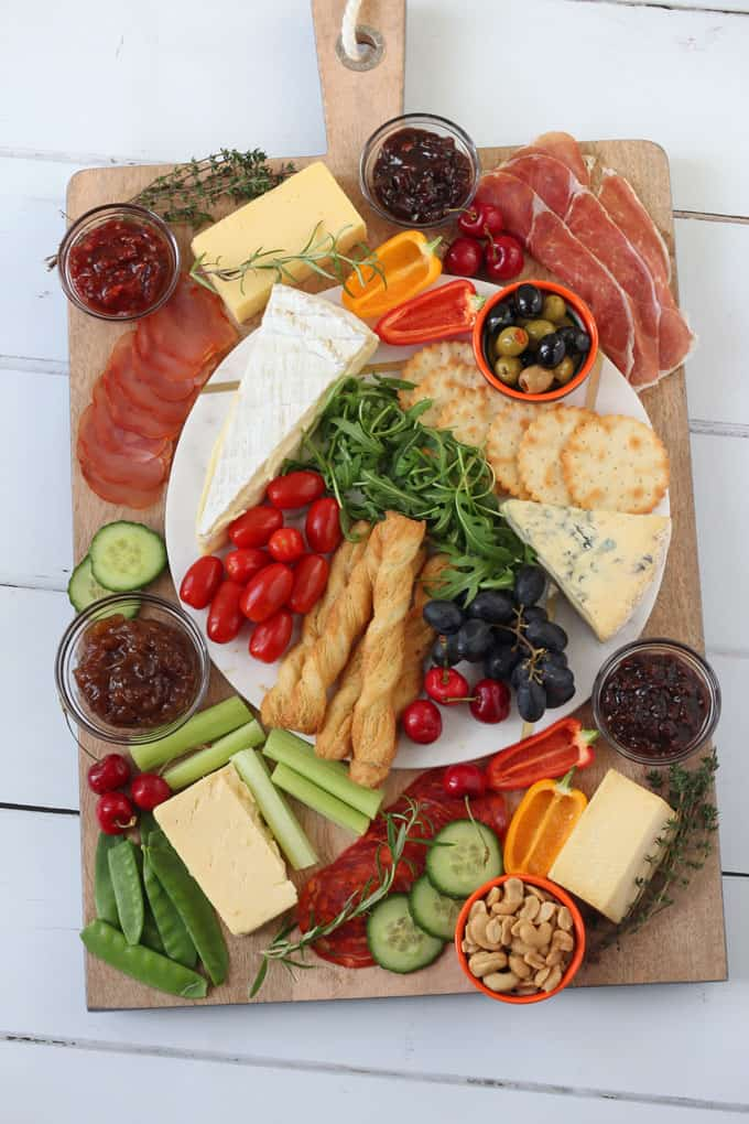 How to create a spectacular cheeseboard to wow your guests this Christmas with Branstons and the best wine pairings to serve alongside it!