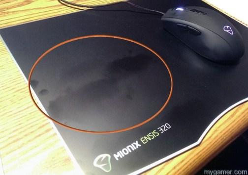 sweaty hands beware of the dreaded grease spots Mionix Ensis 320 Mousepad Review Mionix Ensis 320 Mousepad Review Ensis 320 fingerprints