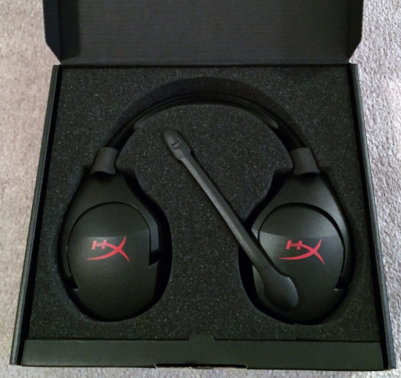 Greeted with folded ear cups HyperX Cloud Stinger Headset Review HyperX Cloud Stinger Headset Review HyperX Cloud Stinger inbox