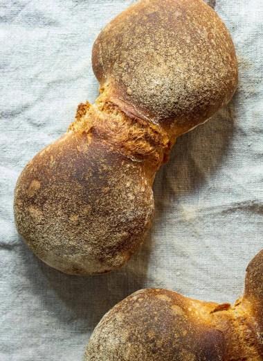 Swiss Sourdough Bread Rolls (Bürli)