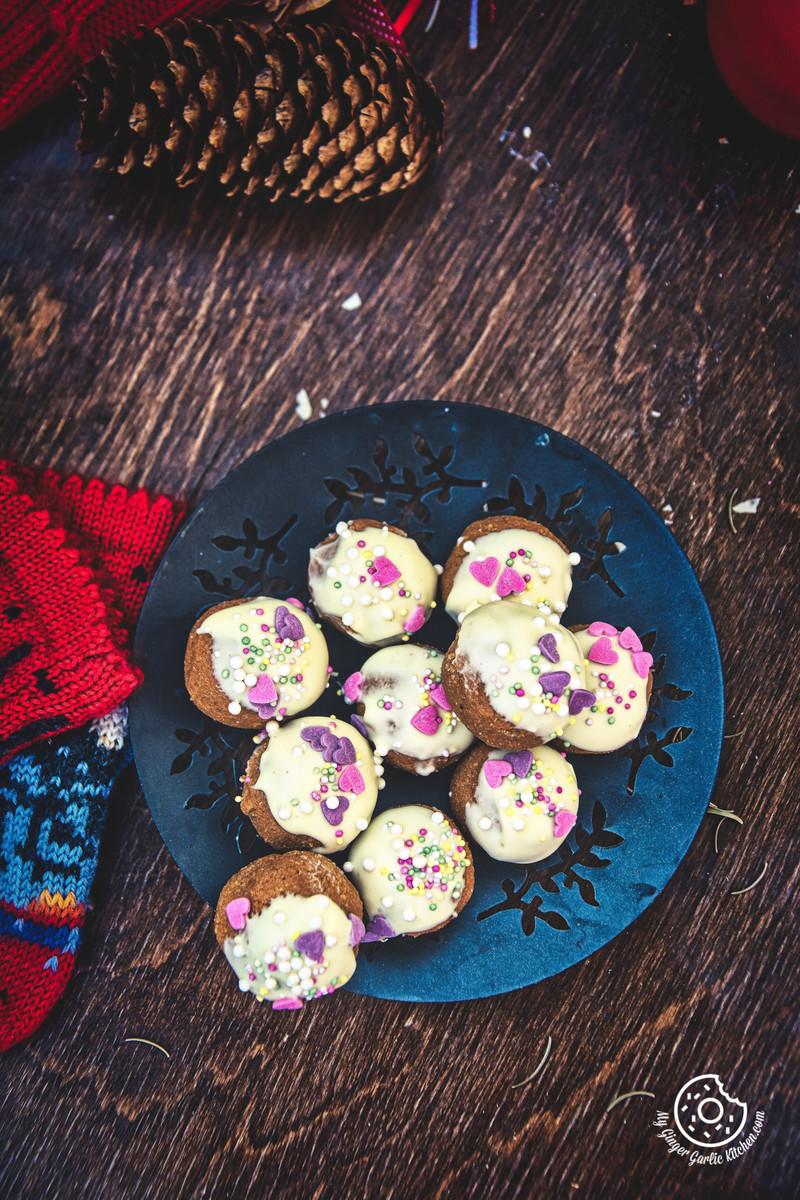 3- Ingredients No Bake Gingerbread Truffles | mygingergarlickitchen.com/ @anupama_dreams