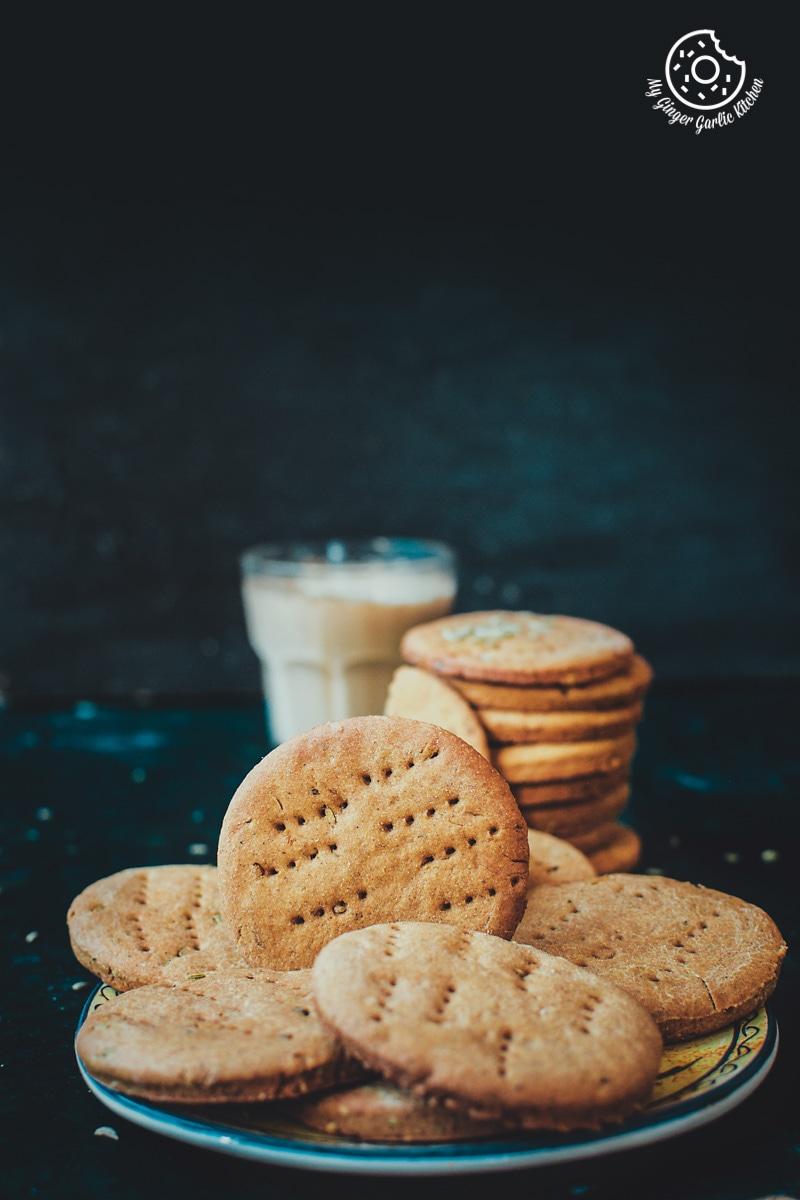 Masaledar Jau Ki Papdi | Spicy Barley Crackers | mygingergarlickitchen.com/ @anupama_dreams