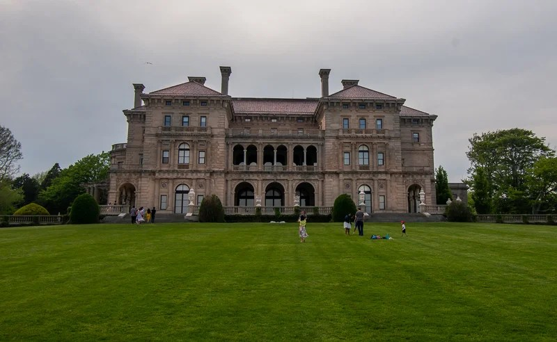 The Breakers is the most iconic building in Newport. It's a wonderful way to spend a weekend getaway in New England.