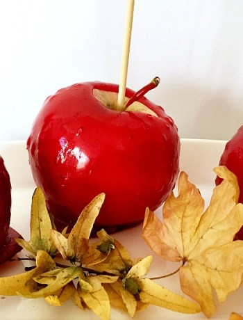 Trick-or-treat candy apples