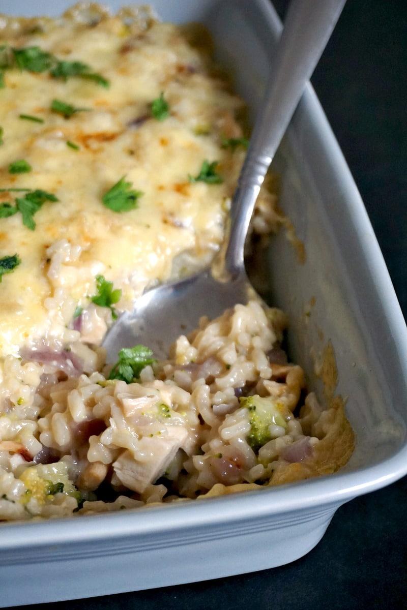 Cheesy chicken rice broccoli casserole