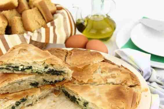 Spanakopita recipe (Greek Spinach pie with feta)