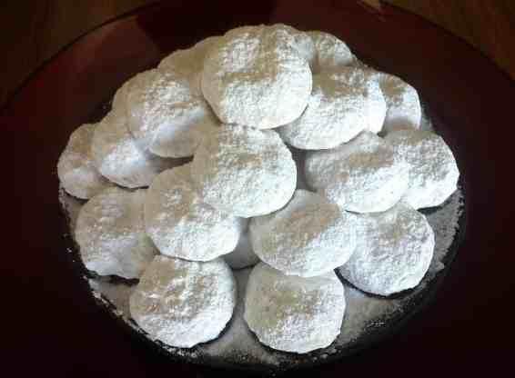 Traditional Kourampiedes (Greek Christmas Butter Cookies)