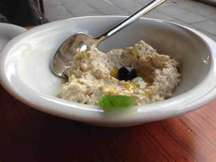 Melitzanosalata (Aubergine salad dip)