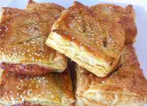 Puff pastry Parcels with caramelised Apples and pork Sausages-5