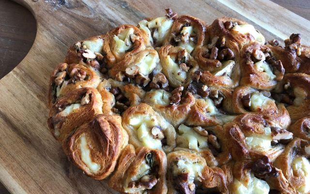 Breekbrood met walnoten, rozemarijn en kaas