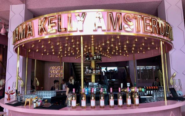 Pink galore: Mama Kelly Amsterdam & Barefoot wijn