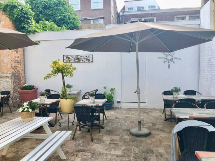 restaurant la Salle - binnentuin
