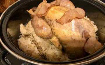 parelhoen met zuurkool uit de oven