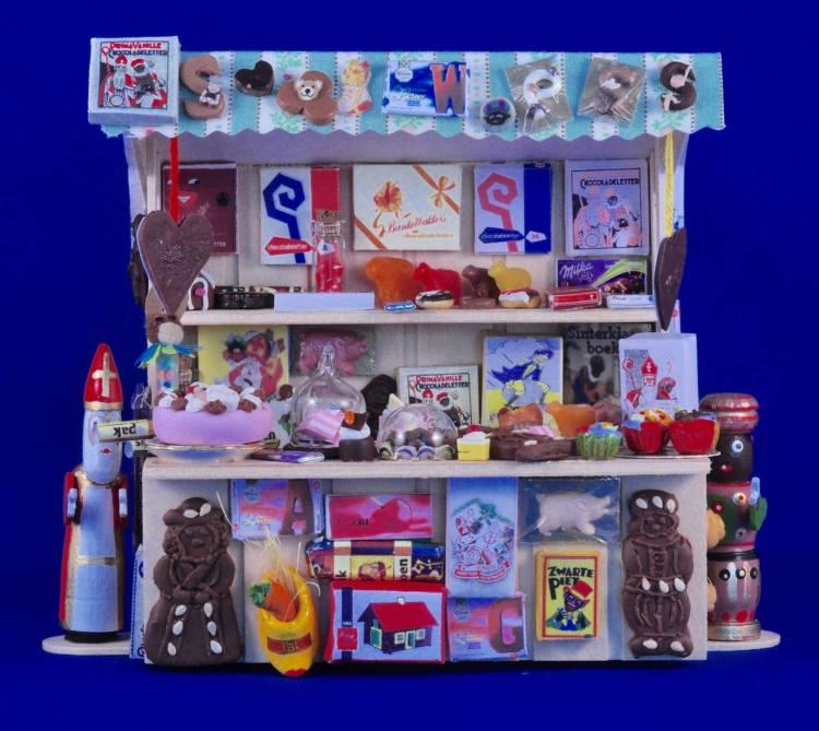 Nog meer mooie poppenhuizen: sinterklaaskastje