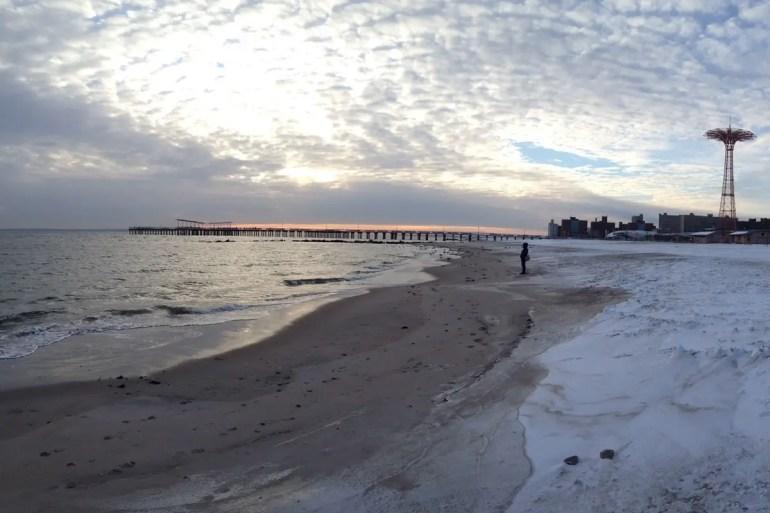 Auch im Winter ein lohnendes Ziel: der Strand von Coney Island
