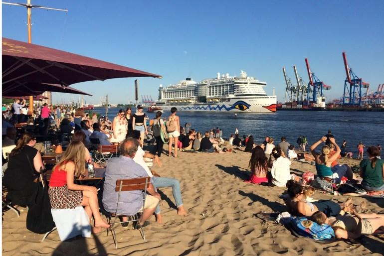 Die Strandperle in Övelgönne ist Hamburgs berühmtester Kiosk - mit Ausblick inklusive