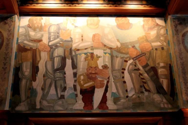 Die Fresken in der Laurin Bar erzählen die Sage des Zwergekönigs Laurin