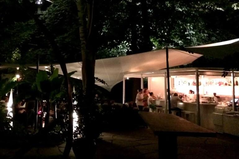 Die Summer Lounge Bar im Garten