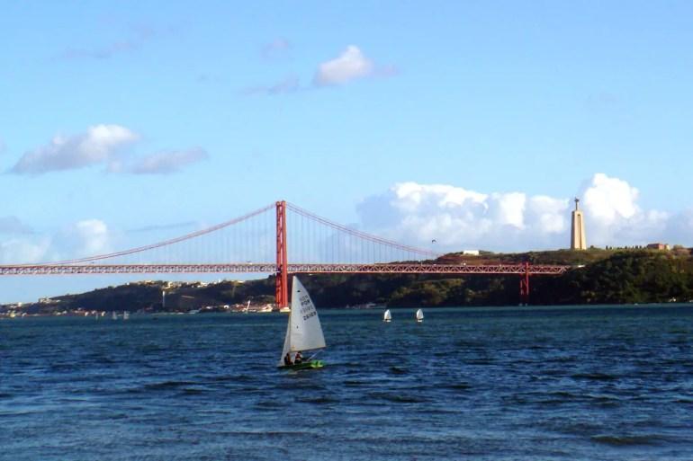 Erinnert an San Francisco: die Ponte 25 de Abril