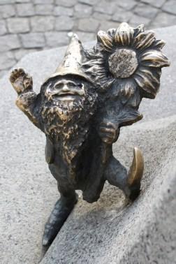 Zwerg in Breslau: Blumen für dich