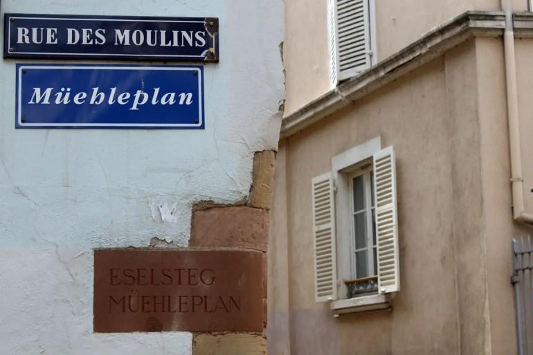 Sichtbare Sprachkulturen: die zweisprachigen Straßenschilder
