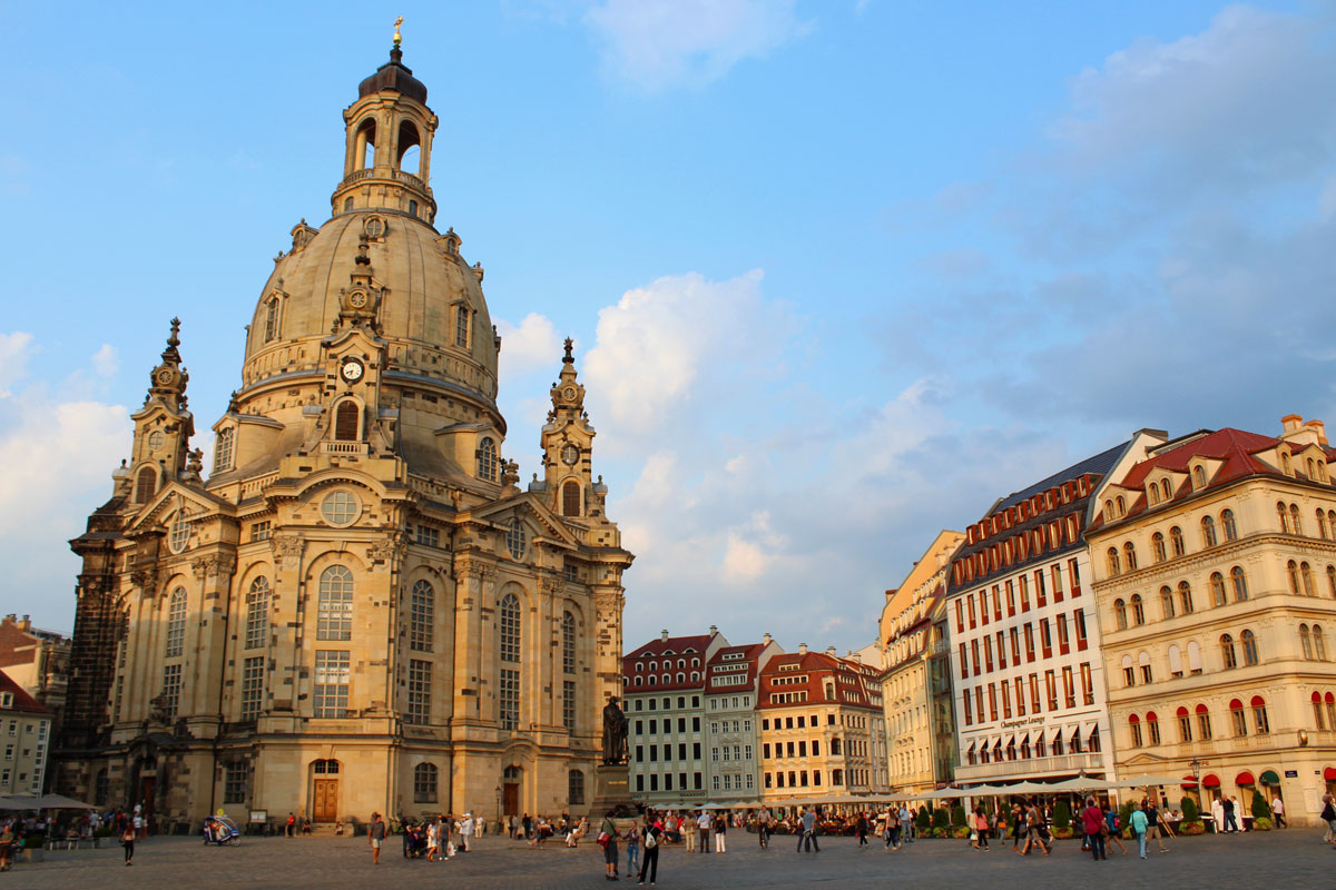 von frauenkirche bis zwinger unterwegs in dresden. Black Bedroom Furniture Sets. Home Design Ideas