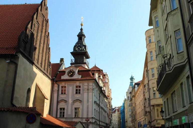 Mittelpunkt des Jüdischen Viertels in der Josephstadt: die Altneu Synagoge und das jüdische Rathaus