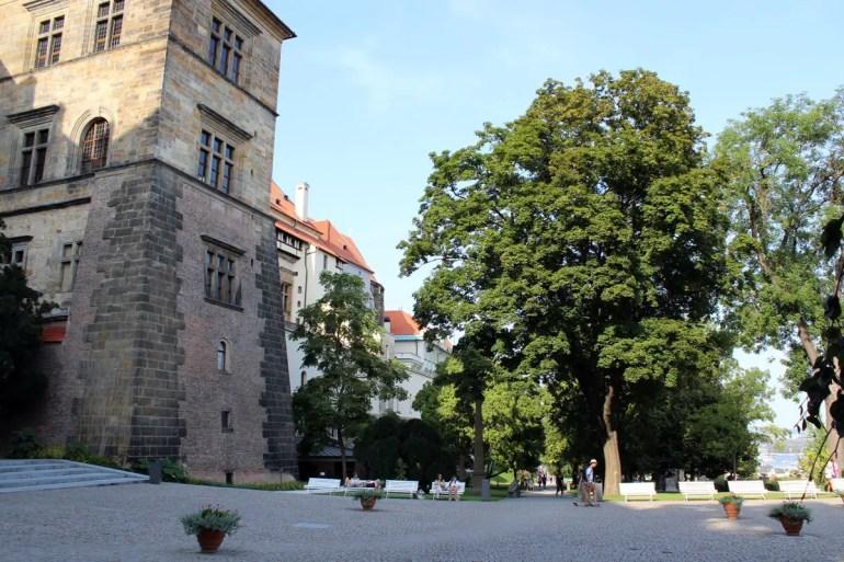 Der Königspalast: Historische Kulisse für den Prager Fenstersturz