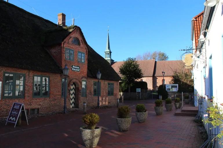 Das Museum der Landschaft Eiderstedt mit der Kirche St. Peter