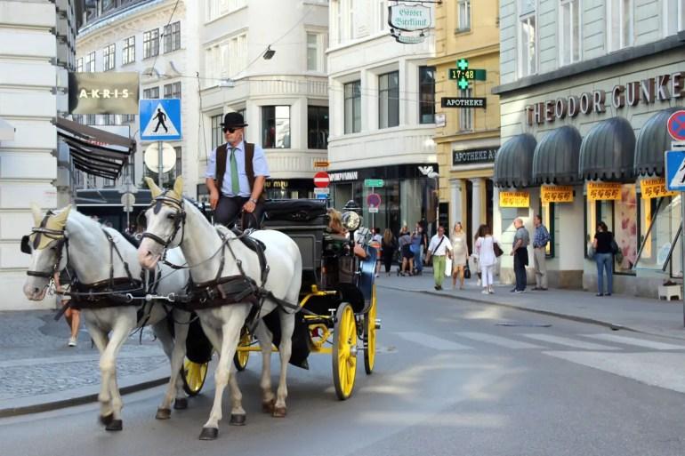Gehört in Wien zum Straßenbild: der Fiaker