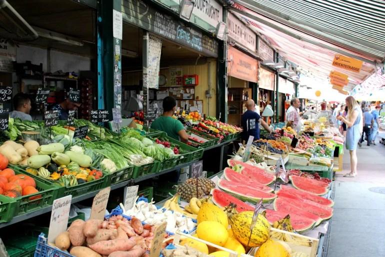 Bunte Mischung: der Wiener Naschmarkt
