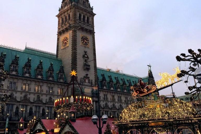 Roncalli auf dem Rathausmarkt: Hamburgs schönster Weihnachtsmarkt