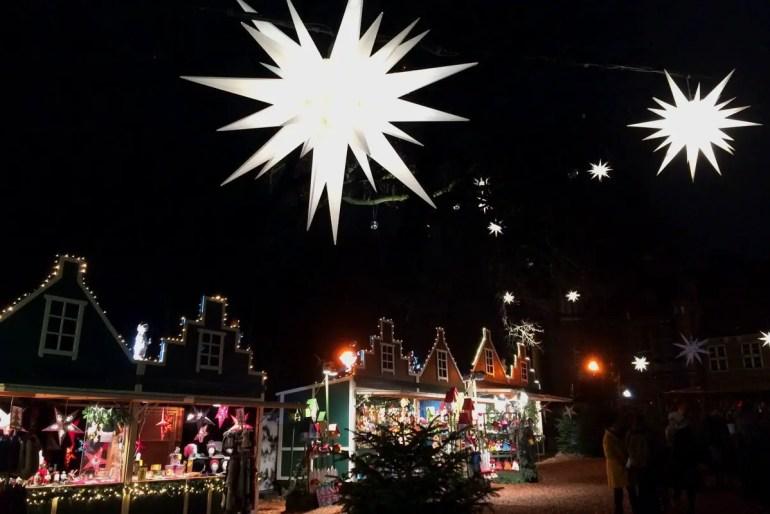 Gilt als einer der schönsten Weihnachtsmärkte in Hamburg: der Wichtelmarkt vor dem Bergedorfer Schloss
