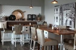 Strandbar-Feeling im Restaurant Holyharbour