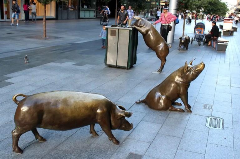 Kurioses Wahrzeichen von Adelaide: die Rundle Mall Pigs