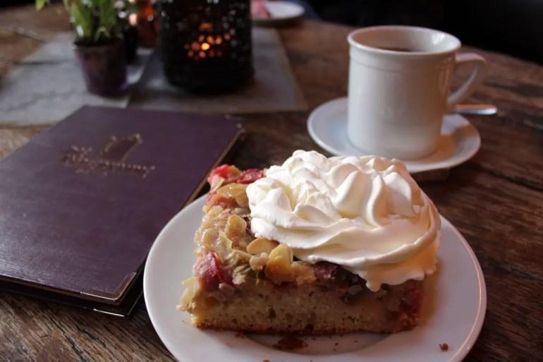 Das Café Kupferkanne in Kampen ist für seine hausgemachten Kuchen berühmt