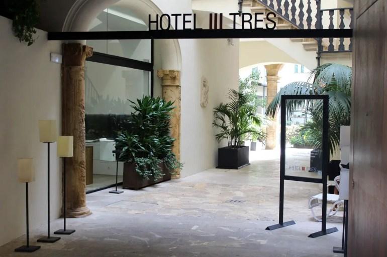Ein Klassiker unter den Design Hotels in Palma ist das Hotel Tres in einem alten Stadtpalast aus dem 16. Jahrhundert